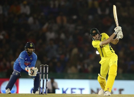 Aussies creates history, defeats India chasing 358