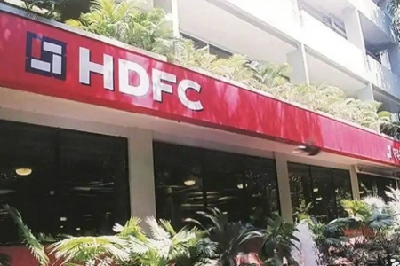 HDFC Ergo tiesup with Visa - Visa- HDFC ...