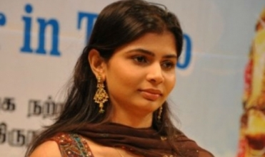 Chinmayi's tough words  against Vairamuthu