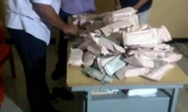 Rs 1.4 crore seized from Andipatti, AMMK members say it's not their money