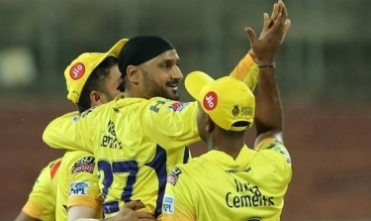Spinners help CSK defeat RCB