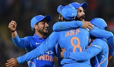 Vijay Shankar bowls India to victory against Aussie