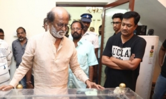 Celebs Pay Homage to Director Mahendran